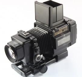 FUJI GX 680 + OBJEKTIVE 4/100 + 5,6/180 + 5,6/250 + MAGAZIN